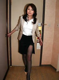 Sexy japanese office girl